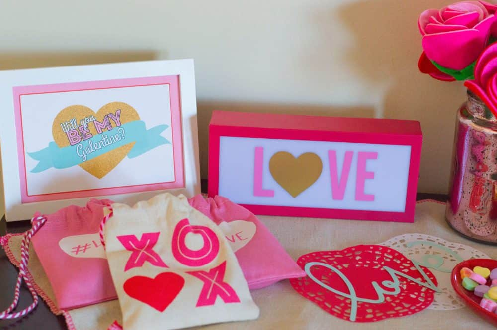 Galentine's Day Signs and Favors