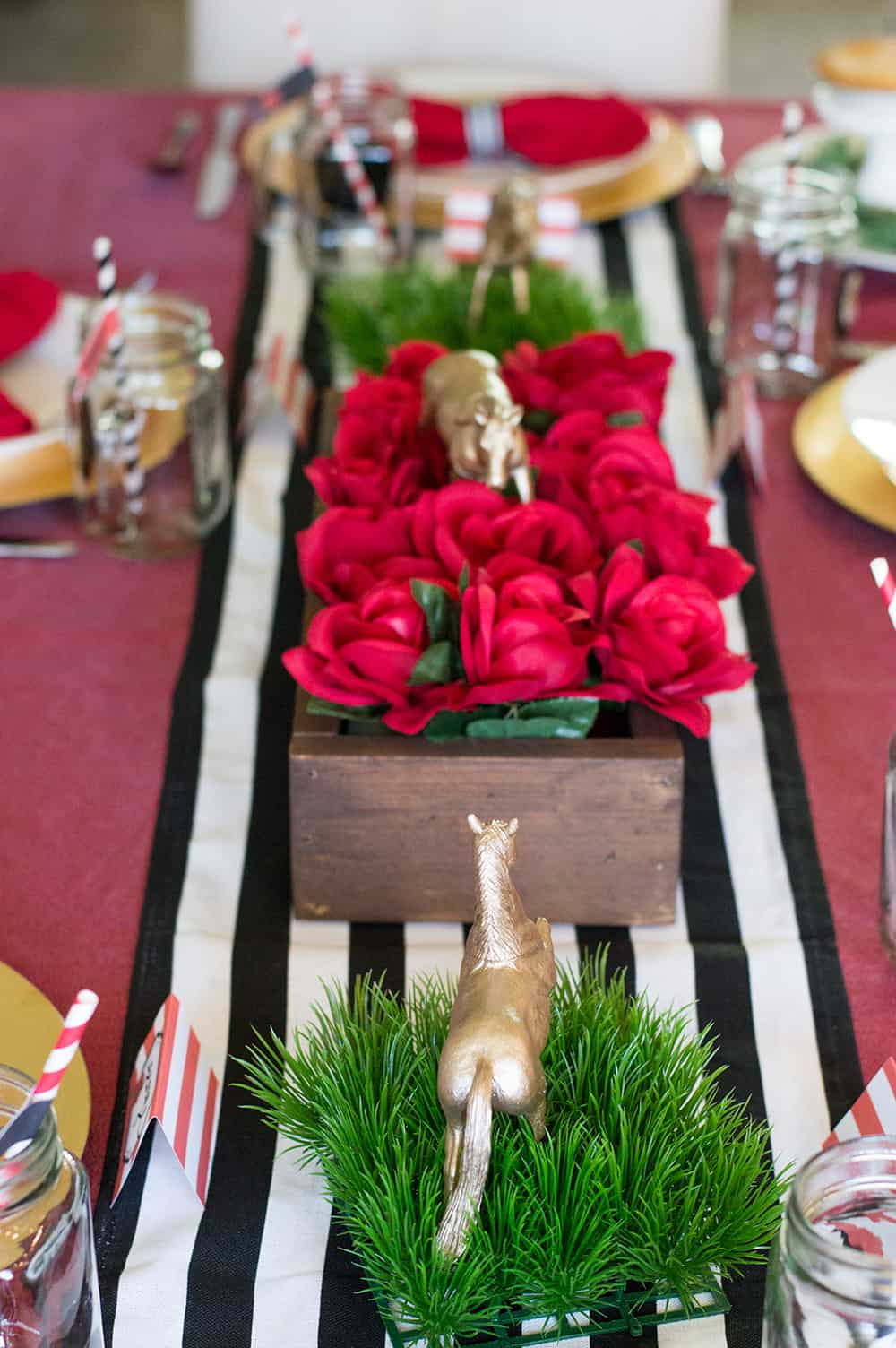 Kentucky Derby Centerpieces styled by Elva M Design Studio and Legally Crafty | All the details at elvamdesign.com
