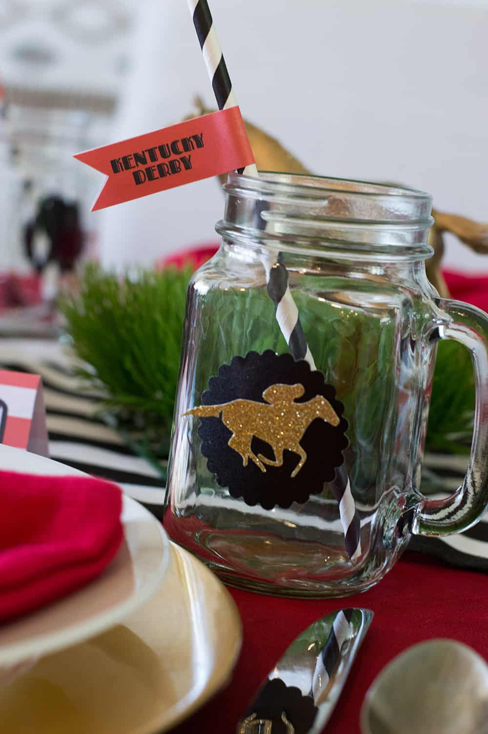 Kentucky Derby Mason Jars with free straw flag printable