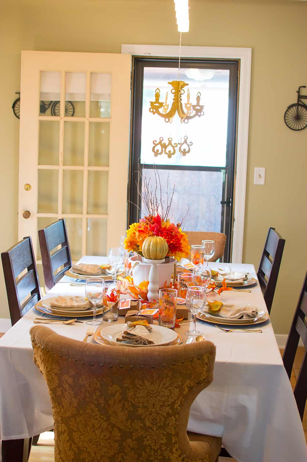Set a Festive Fall Thanksgiving Table