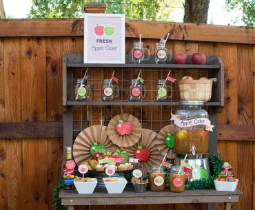 Style your own Fall Apple Cider Bar with these free printables from Elva M Design Studio