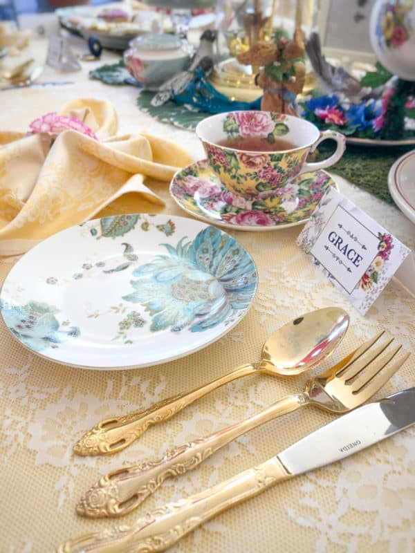 Alice in Wonderland Place Settings