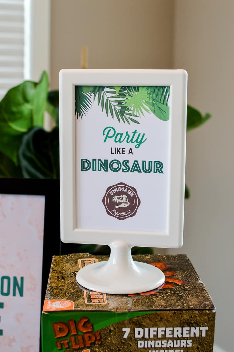free dinosaur party sign