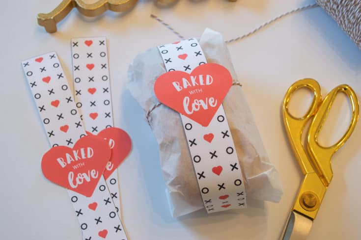 """""""Baked with Love"""" Mini Bread Loaf Wraps"""