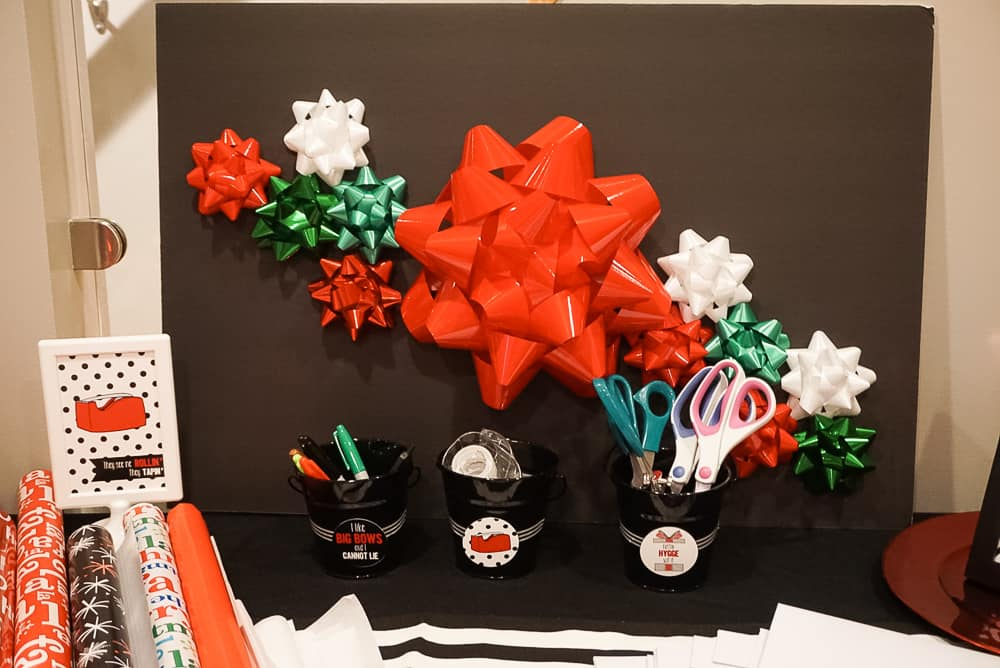 Christmas Gift Wrap Party Decor