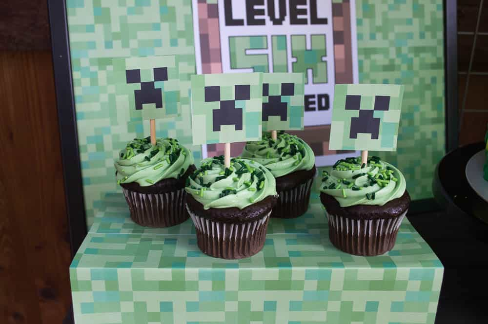 Minecraft Creeper Cupcakes