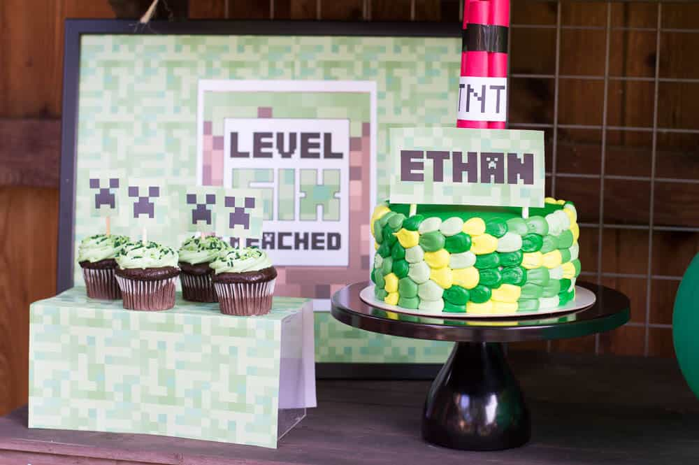 Minecraft dessert table with party sign