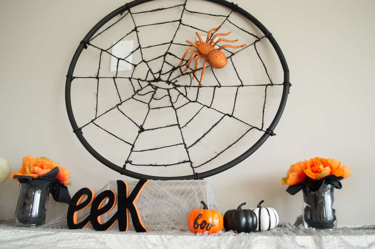 Halloween spider web DIY
