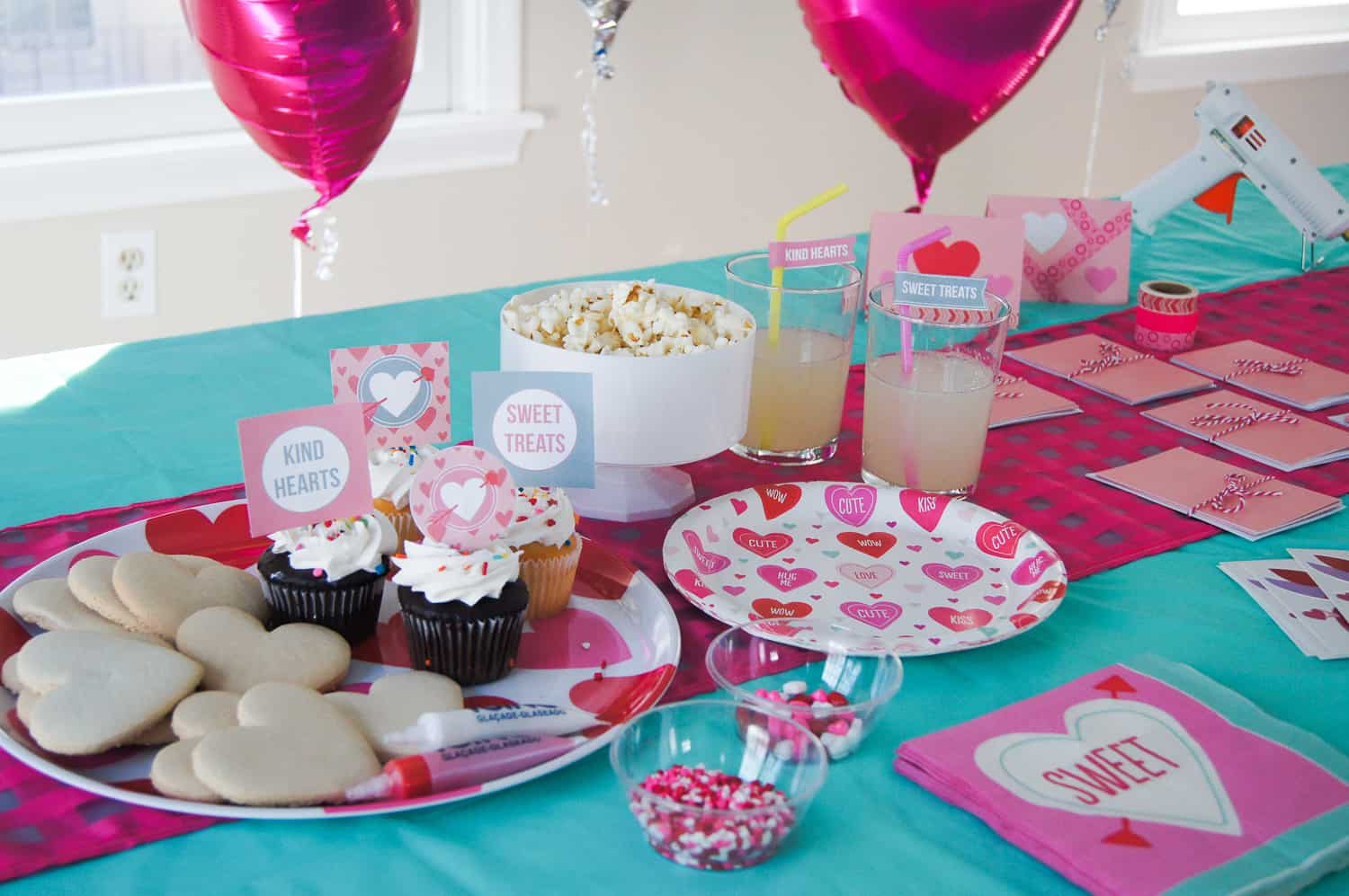 Valentine's Day play date with crafts and treats